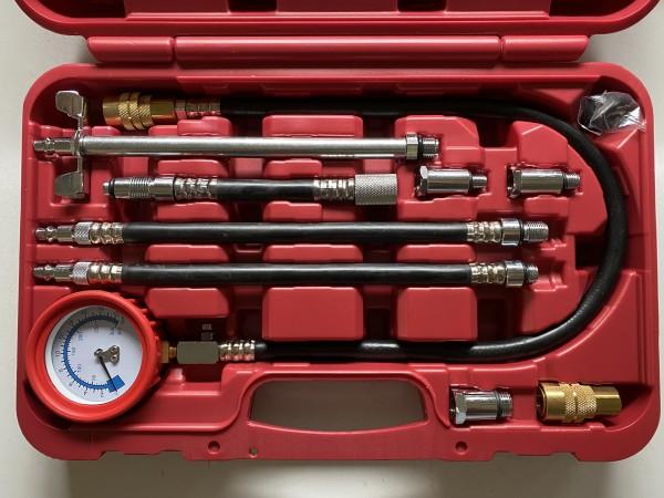 Kompressionstester Benzin mit diversem Zubehör