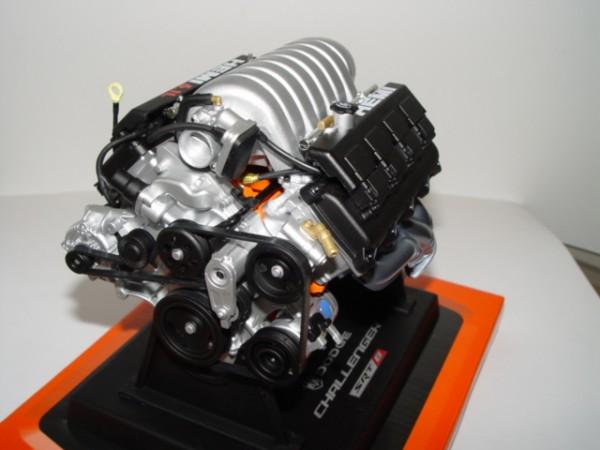 Modell-Motor V8 Dodge Challenger SRT-8